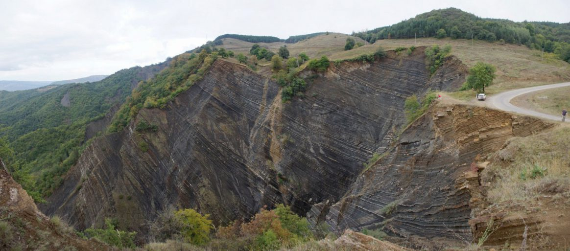 pic_geology_hydro_header